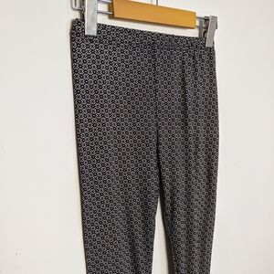 Patterned Leggings with geometric pattern stretch